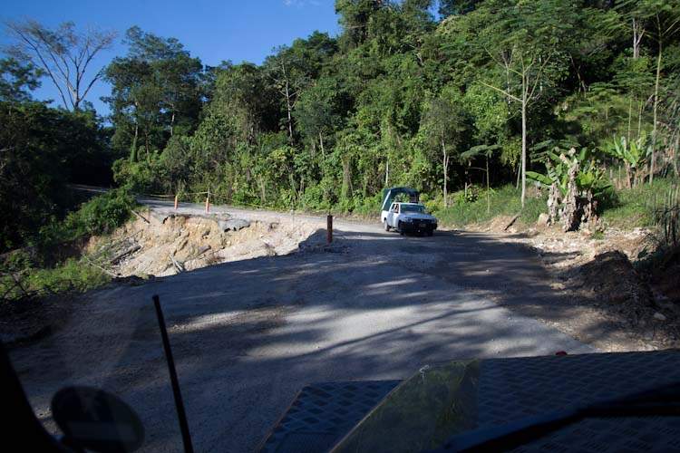 Pretty bad road on the way to Palenque2