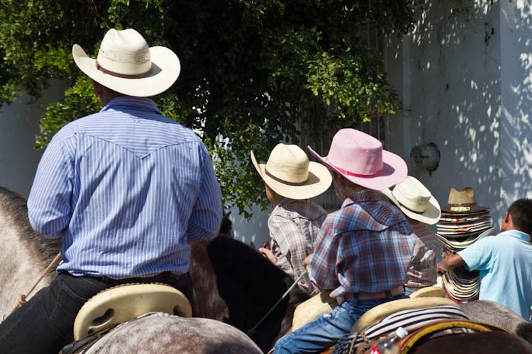 Lovely Cowboy_Look in Comala