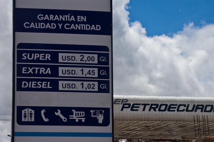 Ecuador: with this prices we like to fill up the tank