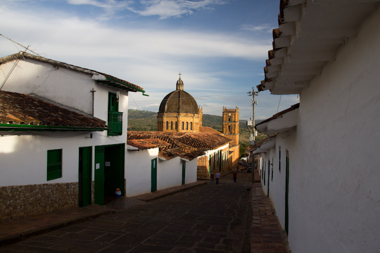 Colombia: Central Highlands - Barrichara: streets