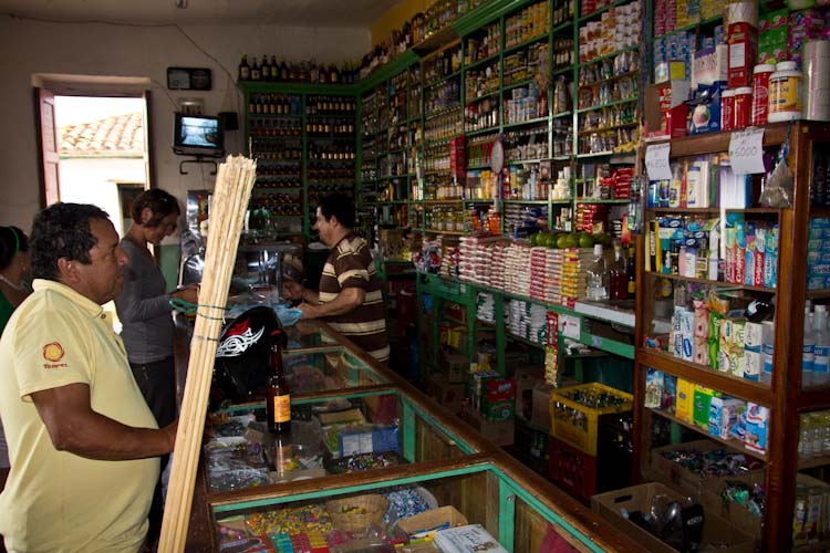 Colombia: Central Highlands - Barrichara: typical tienda