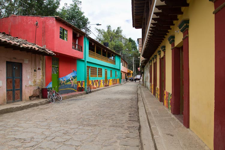 Colombia: Central Highlands - Raquira