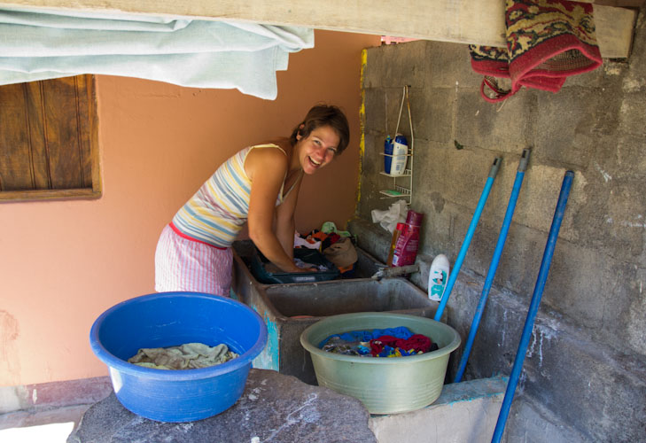 Nicaragua: Laundry by hand