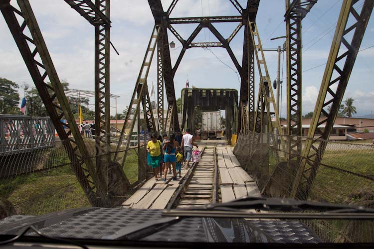 Panama: old train bridge to Panama