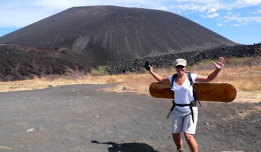 Nicaragua: Cerro Negro - lets start to climb and later on to board down
